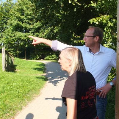 Frau Hein und Herr Vierck analysieren das Machbare.